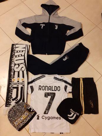 КР7 Роналдо Тениска шорти + Калци Топка + Шалче + Шапка + Анцуг 15
