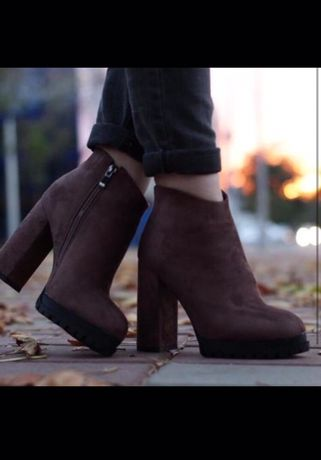 Продаю зимнюю обувь ботильоны, натуральный мех внутри и снаружи
