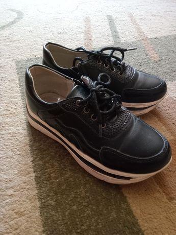 Обувь для девочки 32р