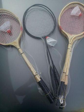 Set palete badminton + 2 fluturasi inclusi , palete fier sau lemn