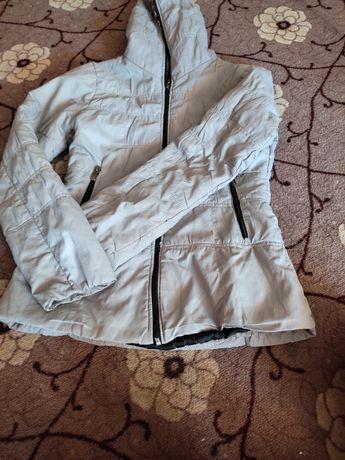 Куртка джинсовая и детская куртка осенные возможен торговля.