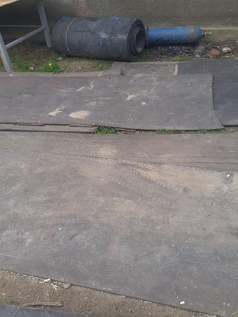 Bandă de cauciuc pentru balastriere podele