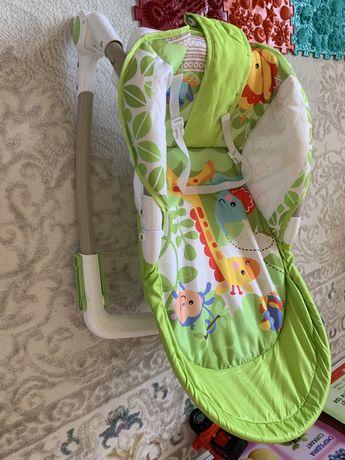 Кресло качалка для детей зеленого цвета 5000