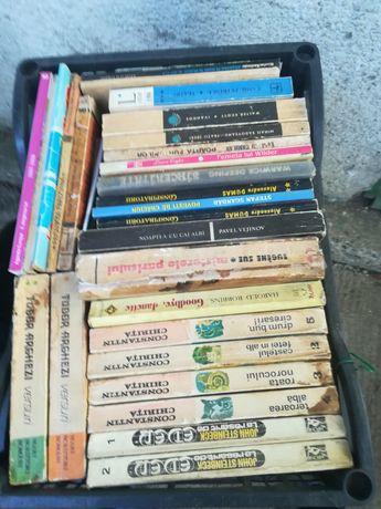 Carti, anticariat vechi.