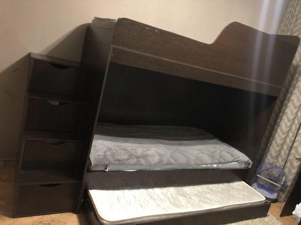 Продам детскую мебель