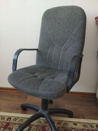 Срочно продается офисное кресло