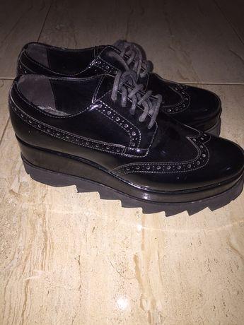 Pantofi/ghete cu platforma