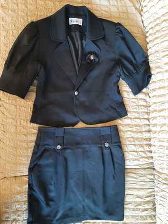 Пиджак для девочки стильный.