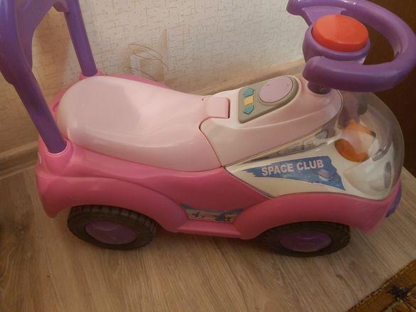 Детска кола за бутане с крака подарък топка