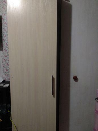 Шкаф пенал.дерево