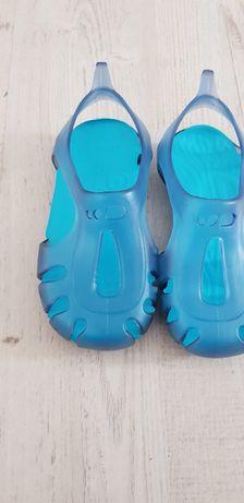 Sandale noi pentru bebeluși