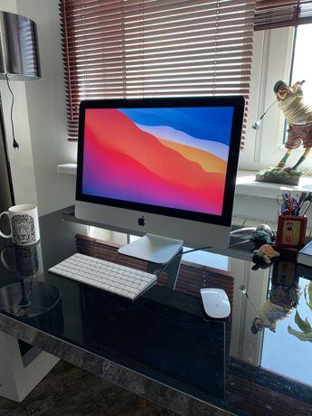 iMac 21,5 Apple 2015 в идеальном состоянии