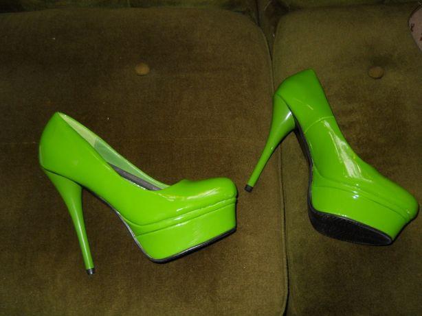 pantofi verzi de lac noi