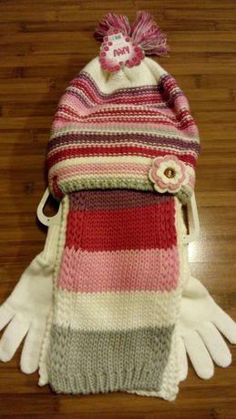 Сет шапка, шал и ръкавици за момиче нови!