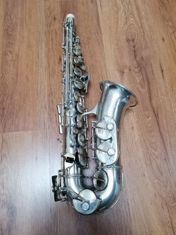 Saxofon Luxor Solo recent reconditionat