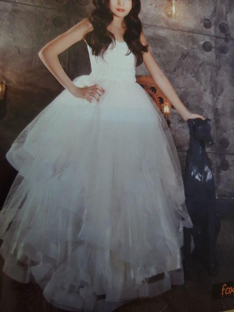 Продам платье на рост 132-145