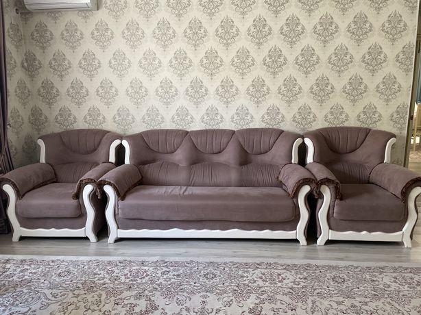 Диван, мебель гостиной