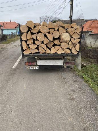 Vând lemn pentru foc