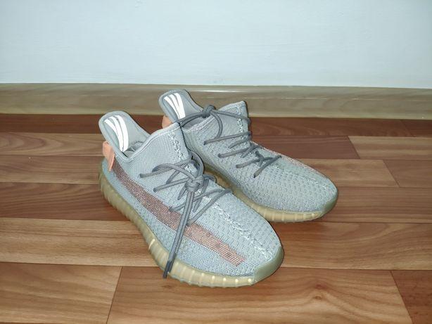 Yeezy 350 adidas. Кроссовка. Обувь