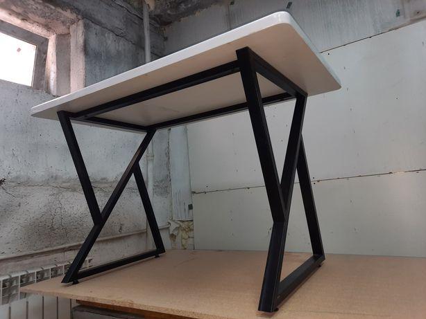 Продается дизайнерский кухонный стол