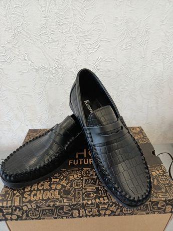 Продам  туфли на мальчика 36р.