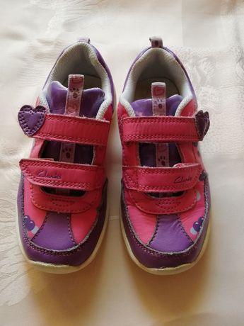 Pantofi in piele Clarks cu beculete marimea 27