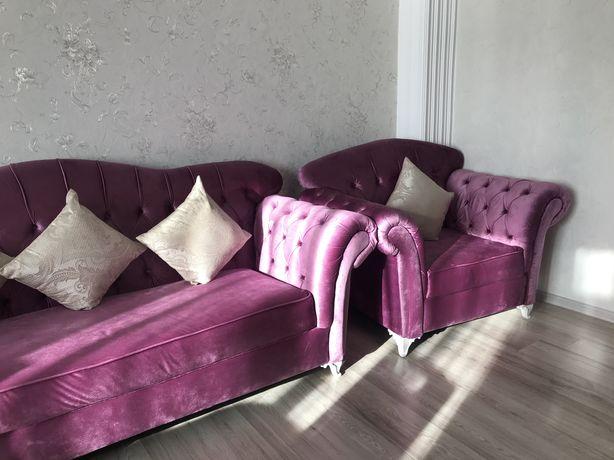 Мягкая. мебель (диван, 2 кресла)