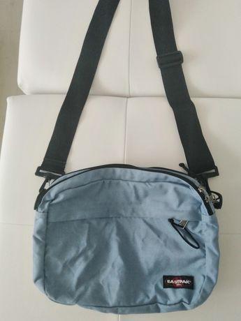 Vand geantă Eastpack noua, produs de înaltă calitate import Germania