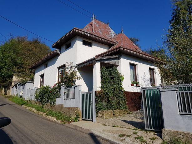 Vand casa Suceava centru