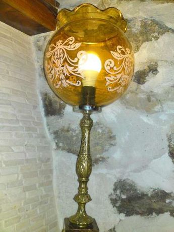 Продавам Голяма Барокова лампа с тьмно кафяв оникс и бронз