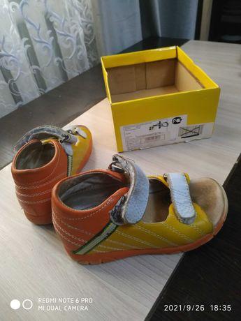 Ортопедическая обувь размер 27  для девочек так и для мальчиков