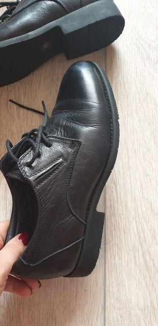 Кожаные туфли новые 36р.
