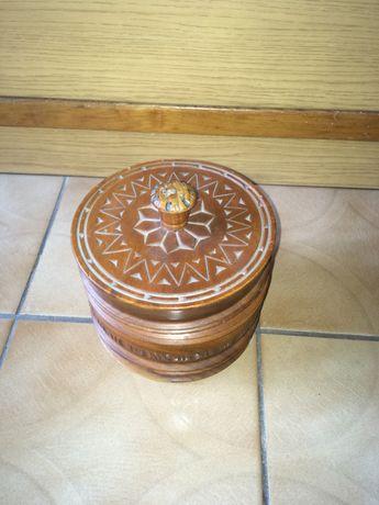 Стилна ретро табакера от орехово дърво