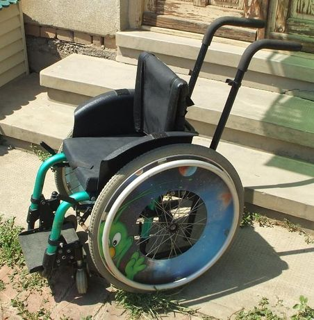 Scaun cu rotile carucior copii - si pentru sport din Elvetia