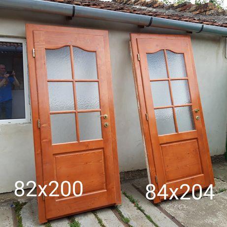 Uși interioare din lemn molid