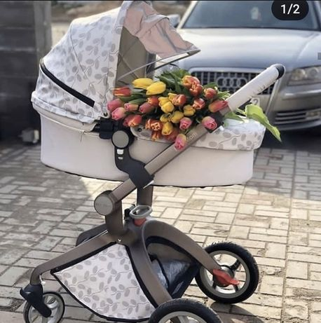 Новая, модная коляска Hot Mom