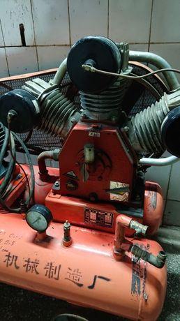 продам компрессор воздушный промышленный