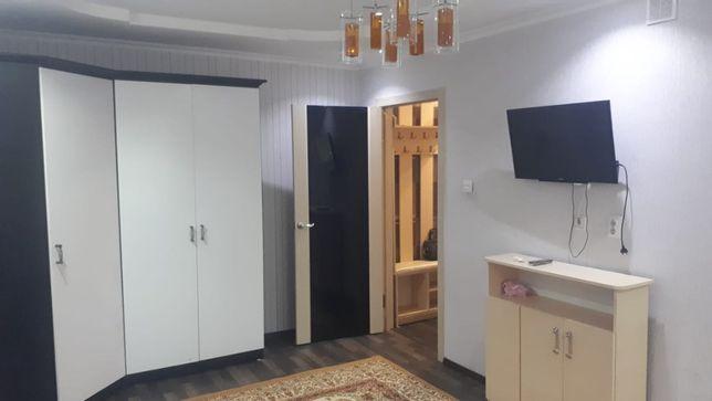 Продется однокомнатная квартира с мебелью на Дюсембекова(Волочаевская)