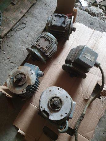 Электродвигатель от хода тельфера 1 тонна