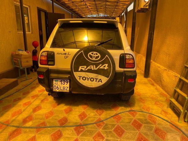 Продам машину RAV4
