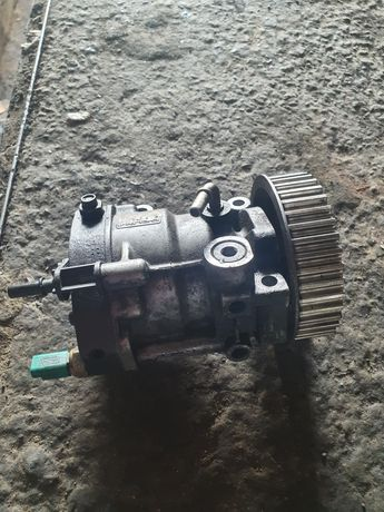 Vand pompa de inalta Dacia Logan