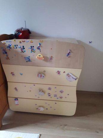 Vand comoda de infasat camera copii