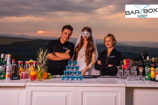 Cocktail bar/bar mobil evenimente, barmani la nunta