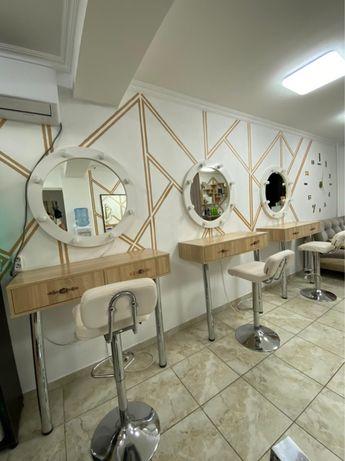 Сдаются визажные столы и парихмахерское кресло