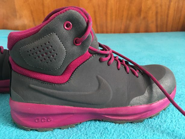 Adidasi de munte/ Ghete Nike nr. 37