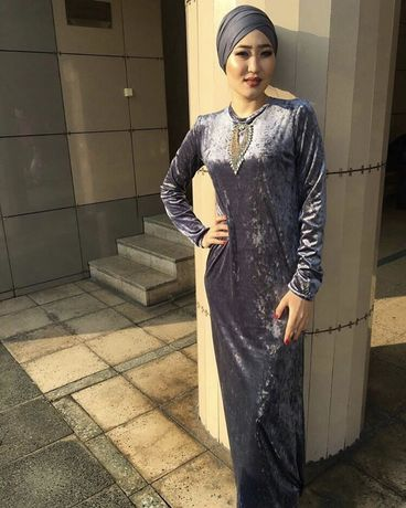 Королевский велюр. Платье в пол