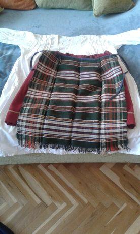 Продавам женска народна носия