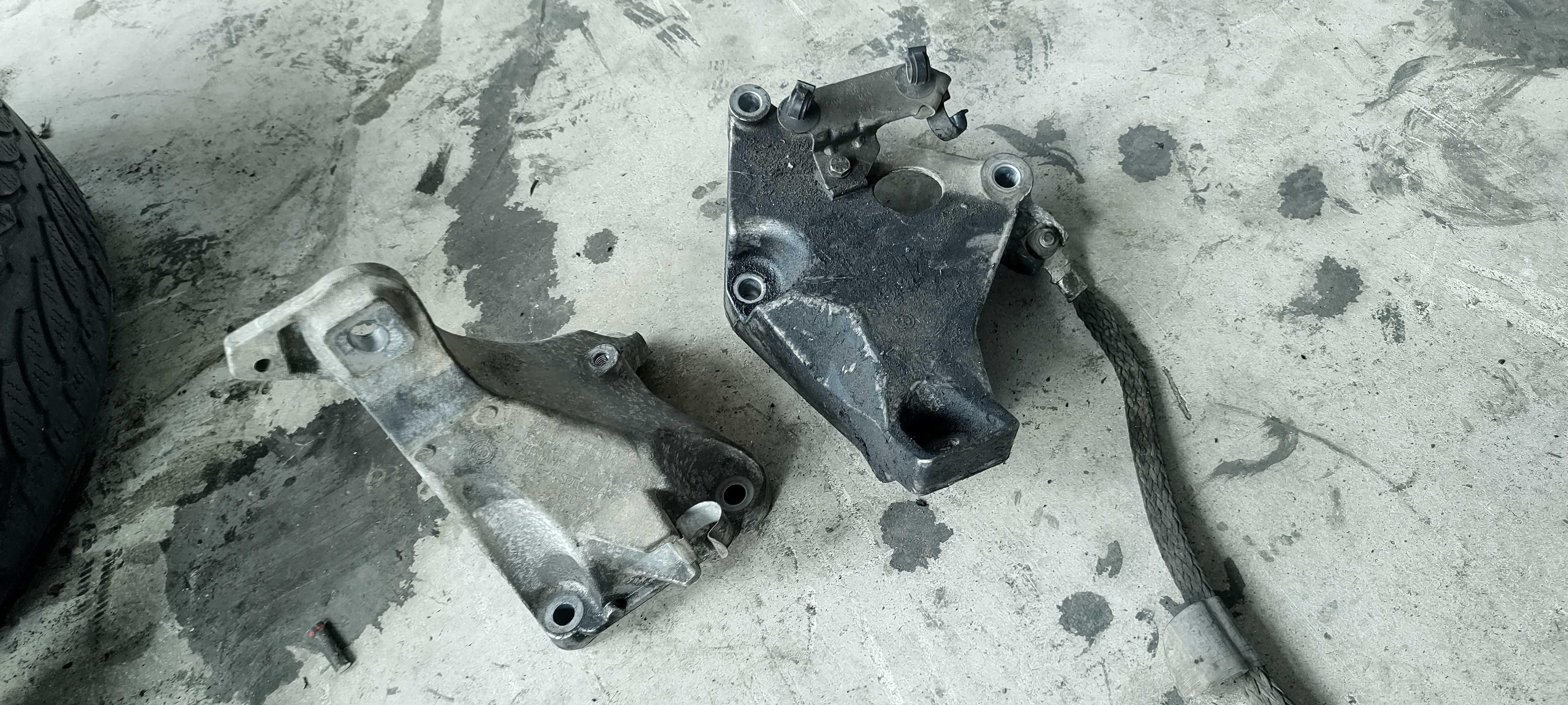 Лапи на двигателя - /БМВ/BMW/- е81 123d N47D 204кс.