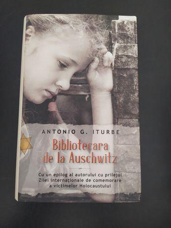 {Bibliotecara de la Auschwitz} - Antonio G. Iturbe