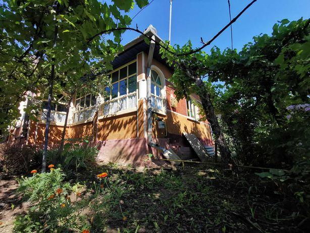Vand casa cu teren de 2700mp